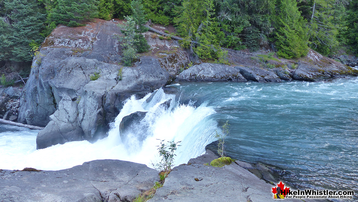Cheakamus River - Hike In Whistler